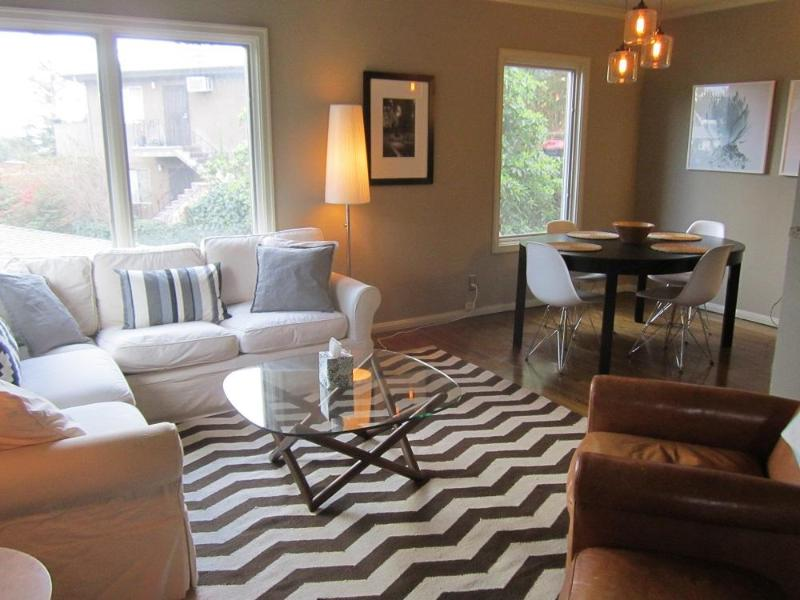 Los Feliz 2 Bedroom 1 Bath with Parking - Image 1 - Los Angeles - rentals