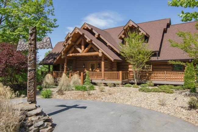 Bear Paw Lodge ~ When Only The Best Will Do.... - Image 1 - Gatlinburg - rentals