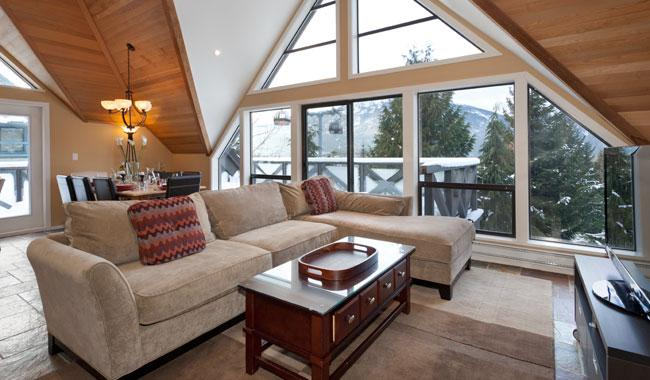 Living Room with Views to Whistler Village - Pinnacle Ridge 20 | Whistler Platinum | Ski-In/Ski-Out - Whistler - rentals