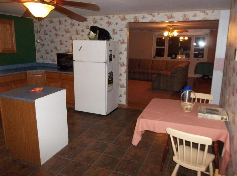 Kitchen view into living room - Comfort & Convenience near Pymatuning - Williamsfield - rentals