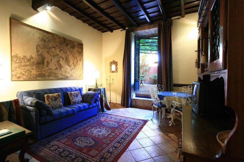 An oasis of peace in the centre of Rome - Image 1 - Rome - rentals