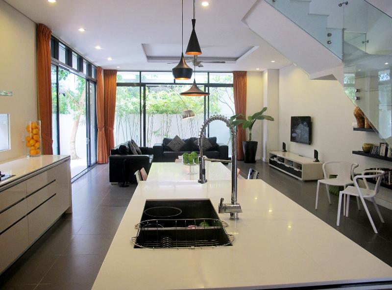Large living area with fitted kitchen - 4 BR modern Villa with beautiful swimming pool - Ho Chi Minh City - rentals