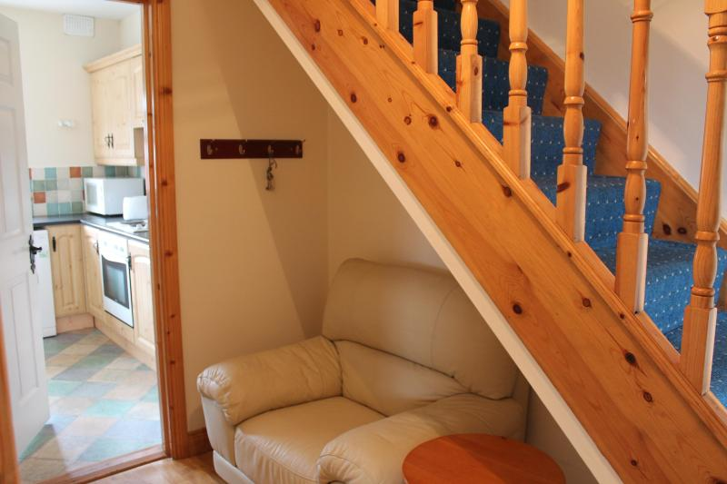 Reading nook under the stairs - Ballaghaderreen Holiday Home - Ballaghaderreen - rentals