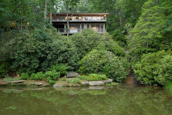 A unique 5 bed, private, beautifully updated, and spacious lakefront vacation home on Lake Toxaway, perfect for a large family - Image 1 - Lake Toxaway - rentals