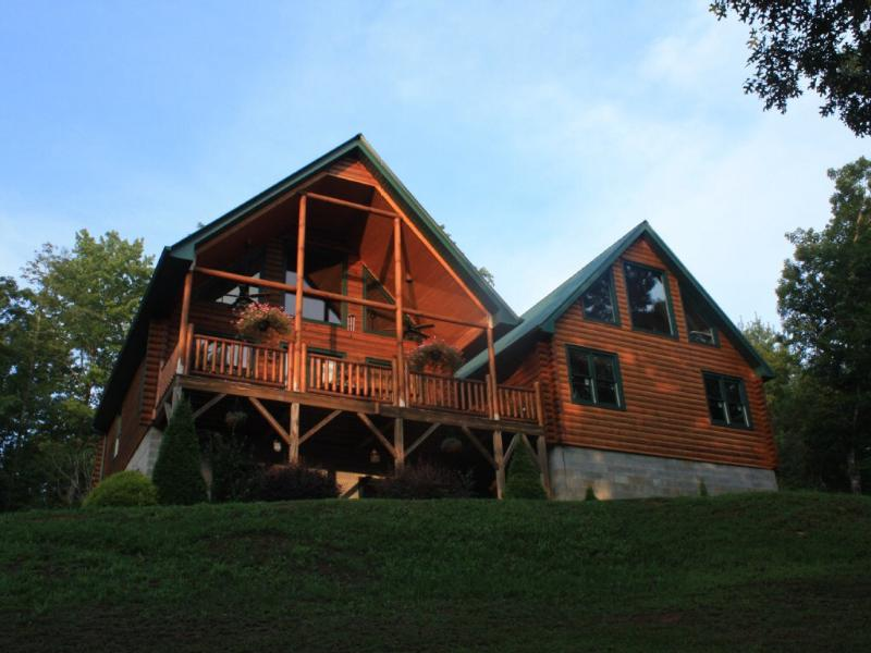 The house faces the sunset  - Beautiful Log Cabin in Franklin, NC - Franklin - rentals