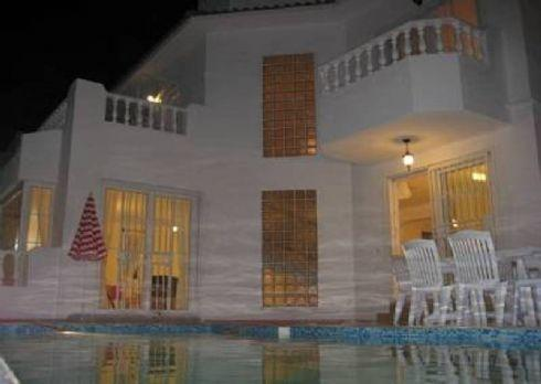 Luxurious 5 Bedroomed Detached Villa - Image 1 - Kusadasi - rentals