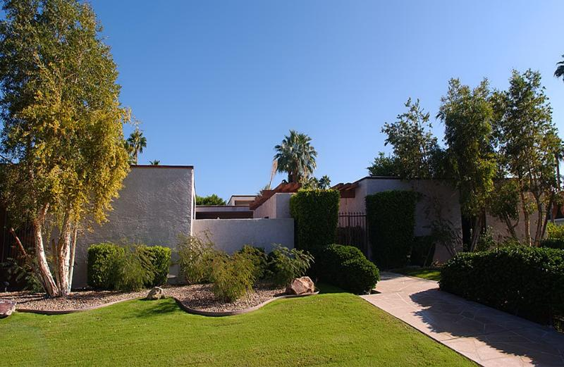 Spacious luxury home in upscale area - August Special - Luxury Home - Pool and Spa, View - Indian Wells - rentals
