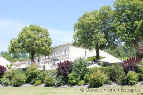 Girondine Chateau with Tennis Court and Pool FRMD106 - Image 1 - Gironde - rentals