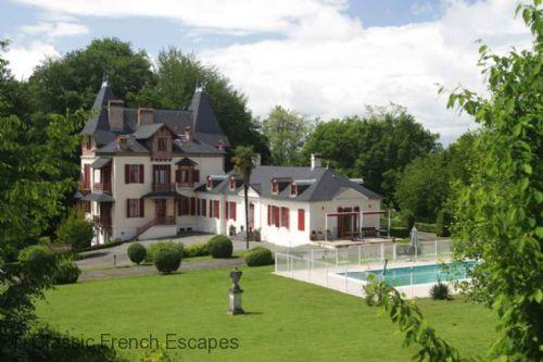 Chateau de Nobles Bearn FRNS102 - Image 1 - Gelos - rentals