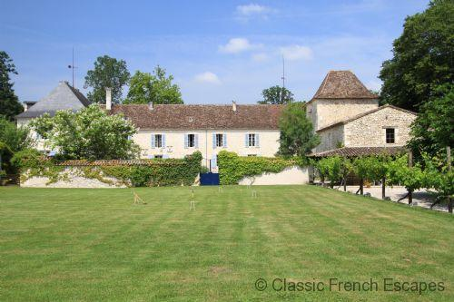 Bergerac Chateau with heated pool and tennis court FRMD138 - Image 1 - Saint Nexans - rentals
