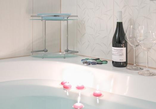 Large Romantic Bath For Two...  - 2 Room Modern Residence Vienna, Free WLAN, Car Parking - Vienna - rentals