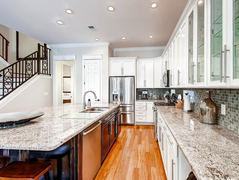Brand New Stainless Steel Appliances, Granite Island, Gas Range and Ice Maker - Destiny by the Sea-Renovated-Gorgeous Kitchen - Destin - rentals