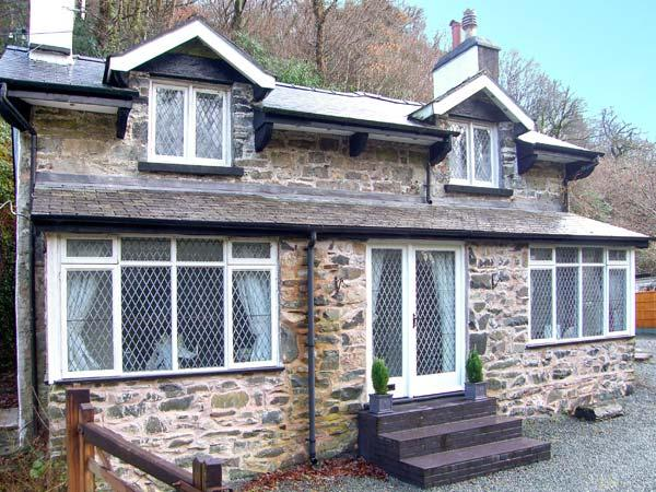 THE COTTAGE, COED Y CELYN, woodburner, character features, pet-friendly, near Betws-y-Coed, Ref. 22767 - Image 1 - Betws-y-Coed - rentals