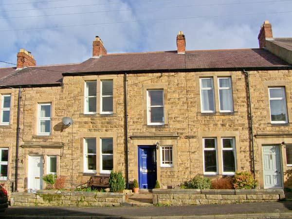 9 WINDSOR TERRACE, WiFi, open fire, character cottage in Corbridge, Ref. 30820 - Image 1 - Corbridge - rentals