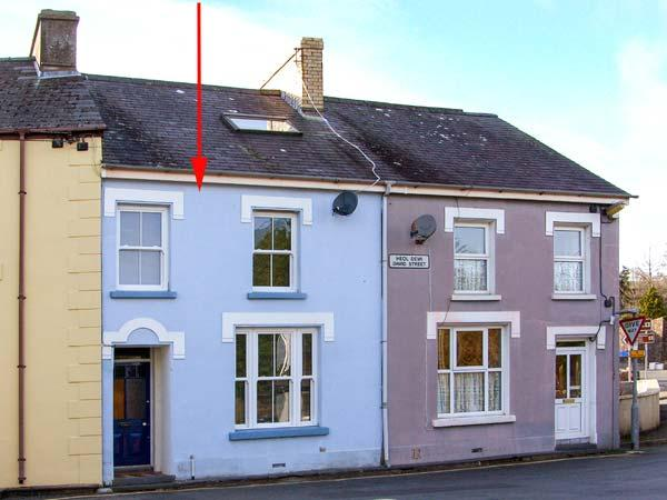TYNWALD, terrace cottage, family accommodation, WiFi, enclosed courtyard, in St Dogmaels, near Cardigan, Ref 906054 - Image 1 - Saint Dogmaels - rentals