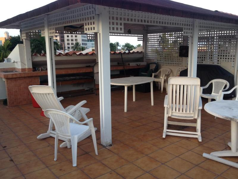 Full Equiped Vacation Sleep 2-8 - Image 1 - Isla Verde - rentals