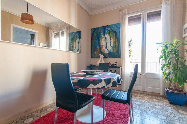 Quiet flat with 2 bedrooms near Sagrada Familia - Image 1 - Barcelona - rentals