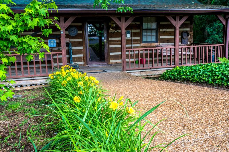 Front - Ky Lake Log Home - Aurora - rentals