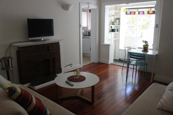 Living Room - Lovely 2 bedroom Apartment in Surry Hills - Sydney - rentals