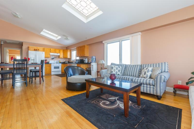 Very bright apartment - Stylish Apartment Near Times Square - North Bergen - rentals