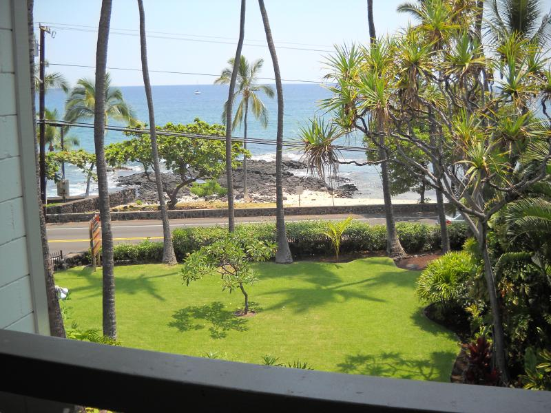 Oceanfront, Oceanfront Right Downtown - Walk To Everything - Image 1 - Kailua-Kona - rentals