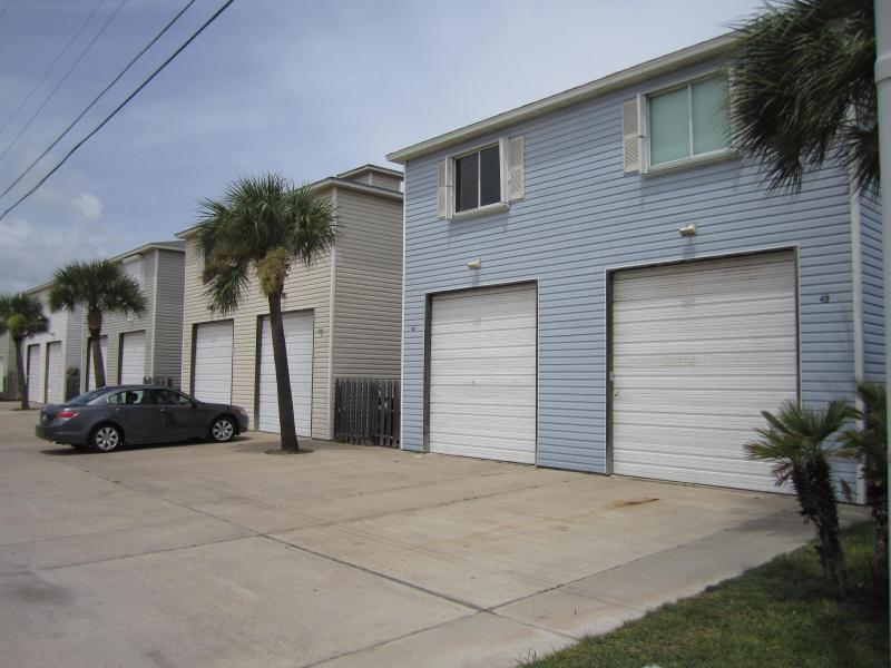 Divided Condo 4br4ba for large family/group LP4B4A - Image 1 - Port Aransas - rentals