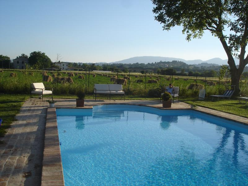 Tower house in Spoleto Umbria with wi fi and pool - Image 1 - Spoleto - rentals