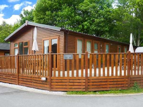 LEASIDE LODGE, detached, single storey, WiFi, furniture on decking, Ref 913263 - Image 1 - Troutbeck Bridge - rentals