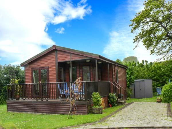 BAY TREE LODGE, detached lodge, all ground floor, parking, patio garden, in St Teath, Ref 913343 - Image 1 - St Teath - rentals