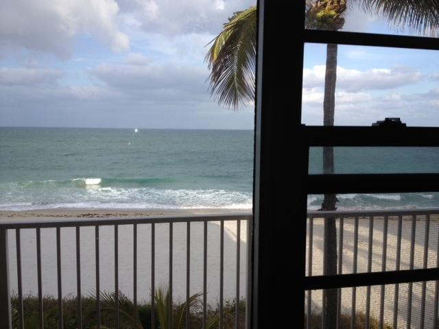 View from YOUR window - Direct Ocean Front Studio - Furnished, Cable, WiFi - Lauderdale by the Sea - Lauderdale by the Sea - rentals