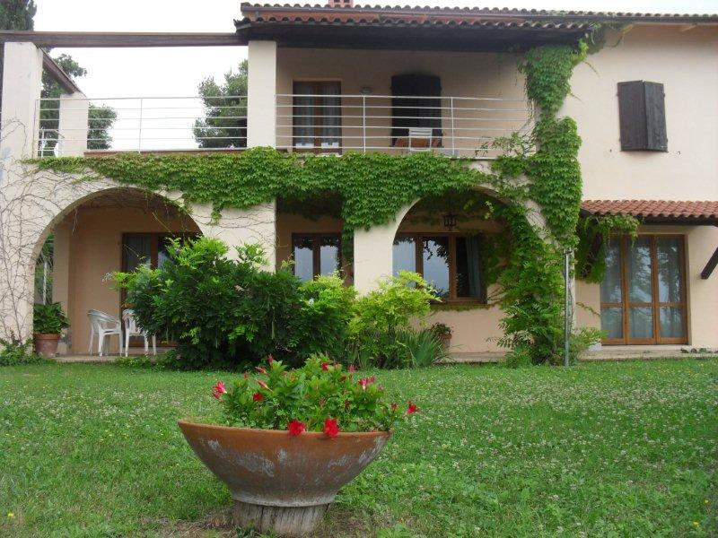 south side of the house - L'oliveto  Country House - Civitanova Marche - rentals