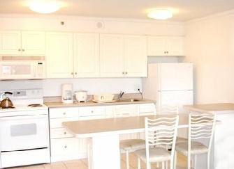 full kitchen - Resort one block to waikiki beach - Honolulu - rentals