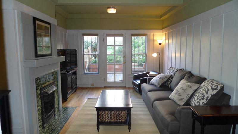 Living room - Victorian flat in central location-no car needed - San Francisco - rentals
