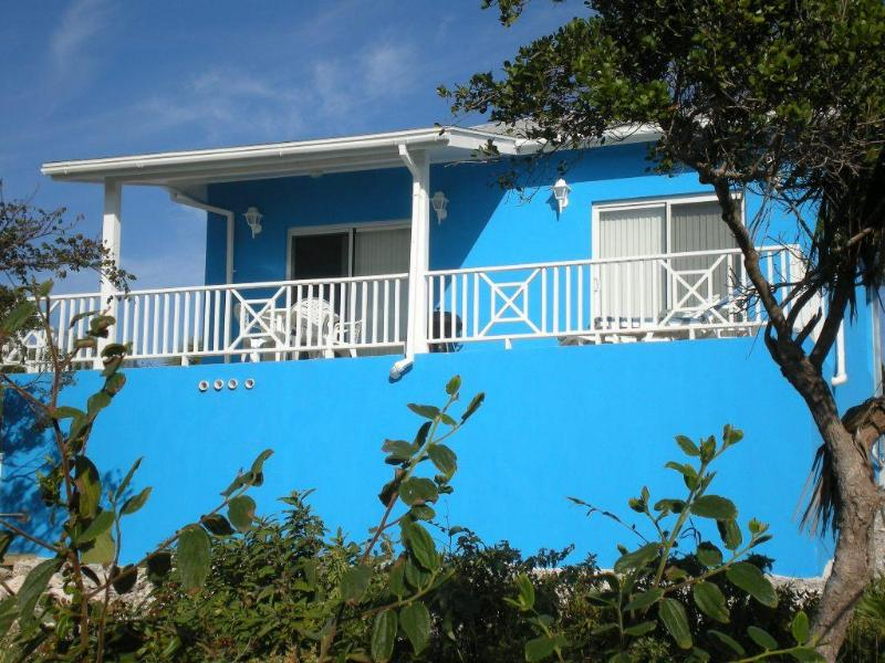 Cottage front - covered porch - Blueskies, A Cozy Vacation House In Rainbow Bay - Rainbow Bay - rentals