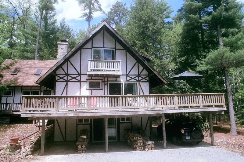 Spacious, relaxed camp - Bolton Landing Cabin Retreat - Bolton Landing - rentals