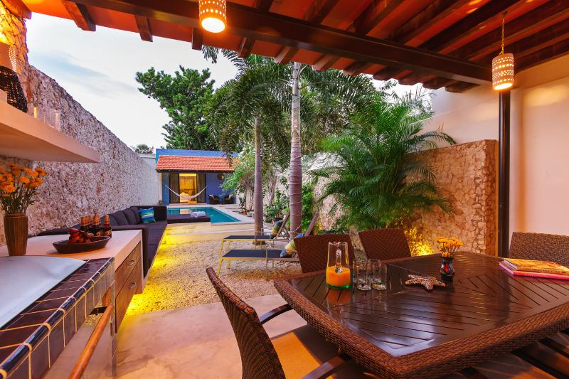 Renovated for family gatherings on quiet Santiago street - Image 1 - Merida - rentals