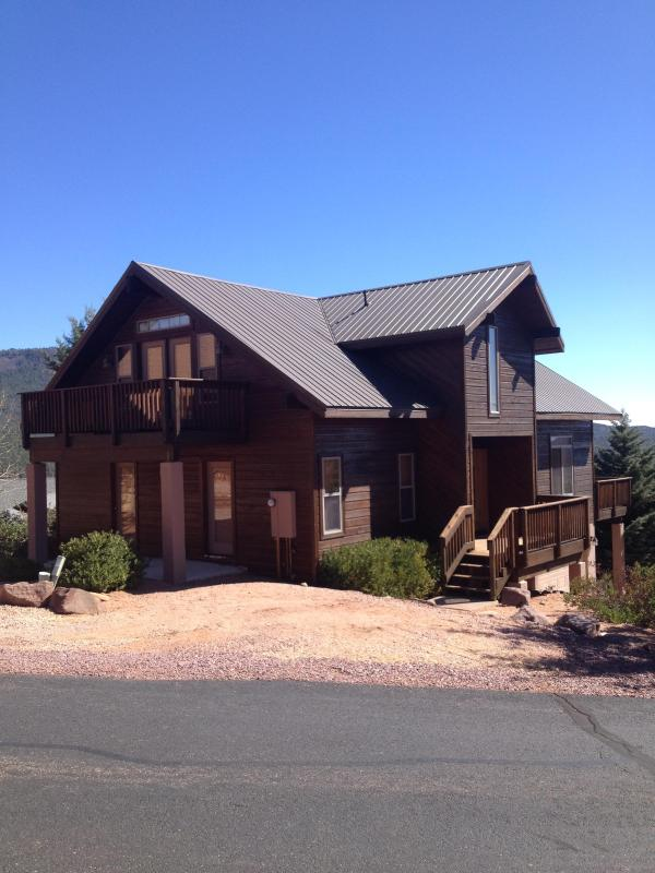Majestic Mountain Home with view deck - Image 1 - Pine - rentals