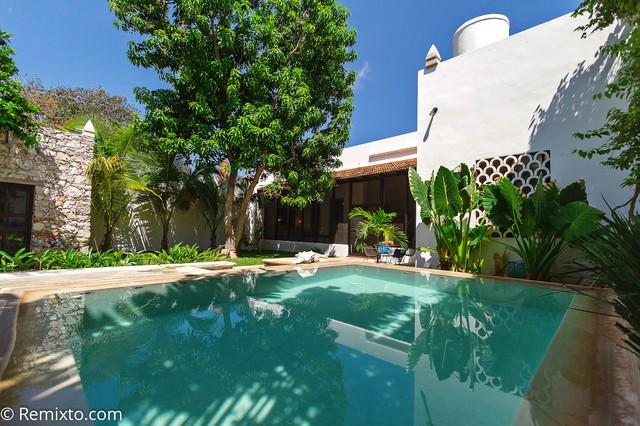 A relaxing poolside oasis awaits you at Casa Cocodrilo - Escape into Stunning Luxury in Merida - Merida - rentals