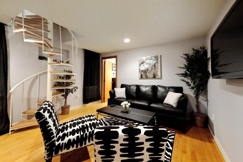 Living Area - Lincoln Center 2 Bed-1 - New York City - rentals