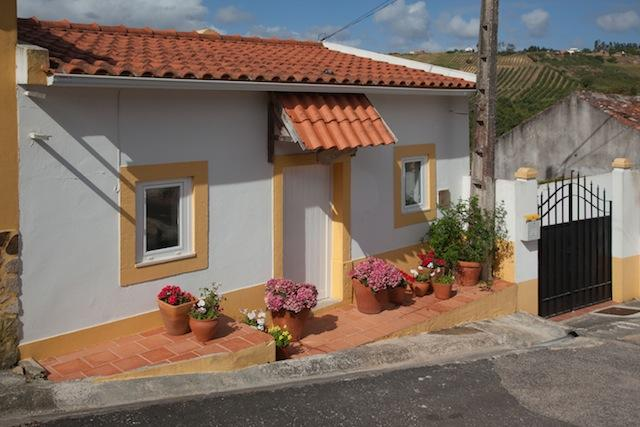 2 Bedroom Country Cottage in Obidos, Sleeps 5, Beautiful Views and Peaceful Location - Image 1 - Obidos - rentals