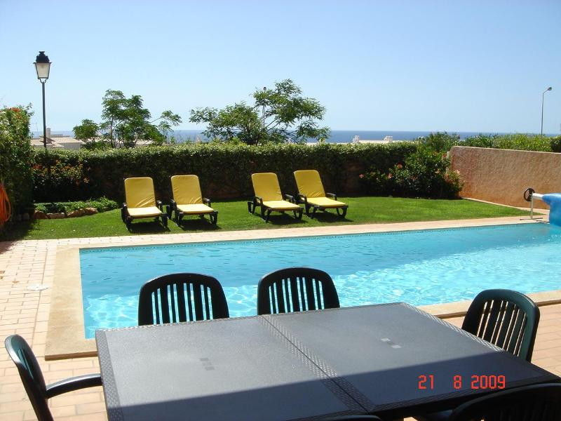 Garden and private swimming pool - Villa with Private Pool, Breathtaking Ocean View, close to Beach, FREE WiFi - Luz - rentals