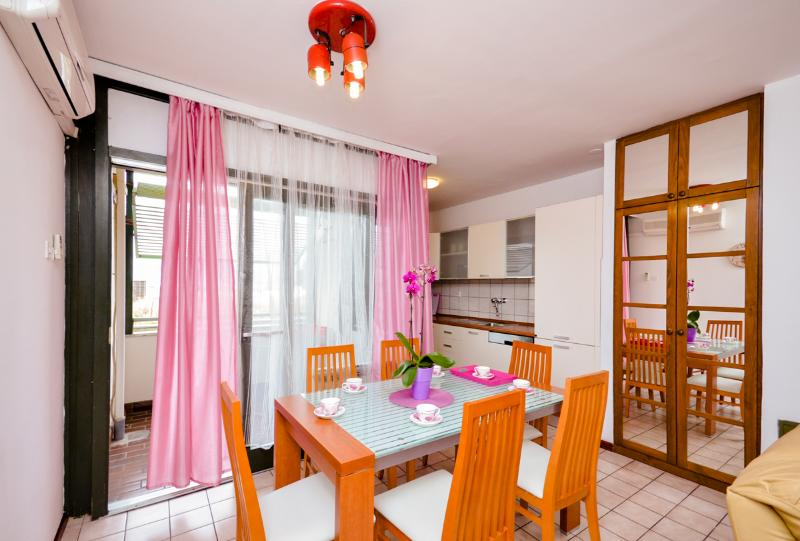 Apartment Antonija - 44701-A1 - Image 1 - Split - rentals