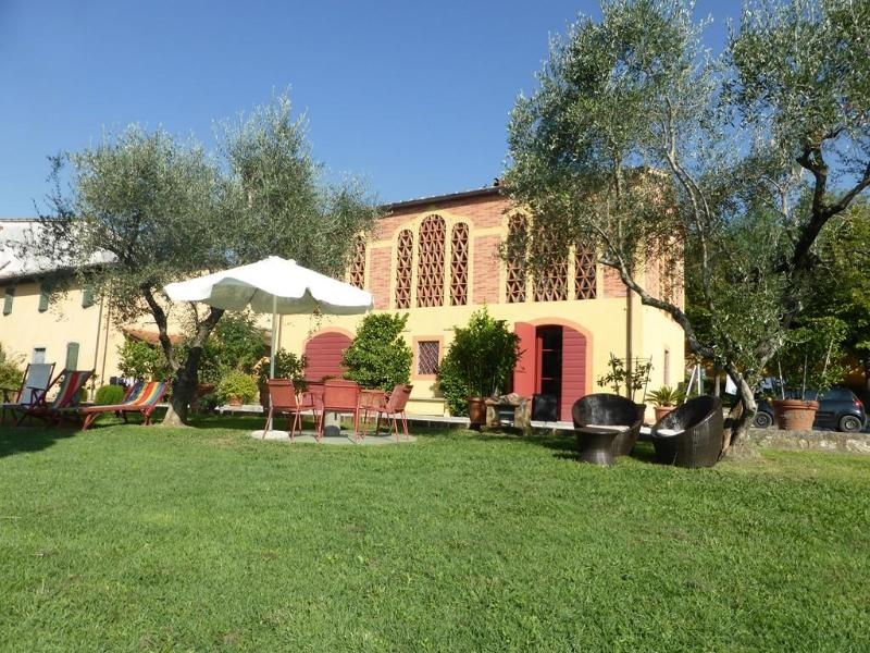 DOLCE MIELE up to 6 sleeps in the countryside with views and internet! - Image 1 - Marlia - rentals