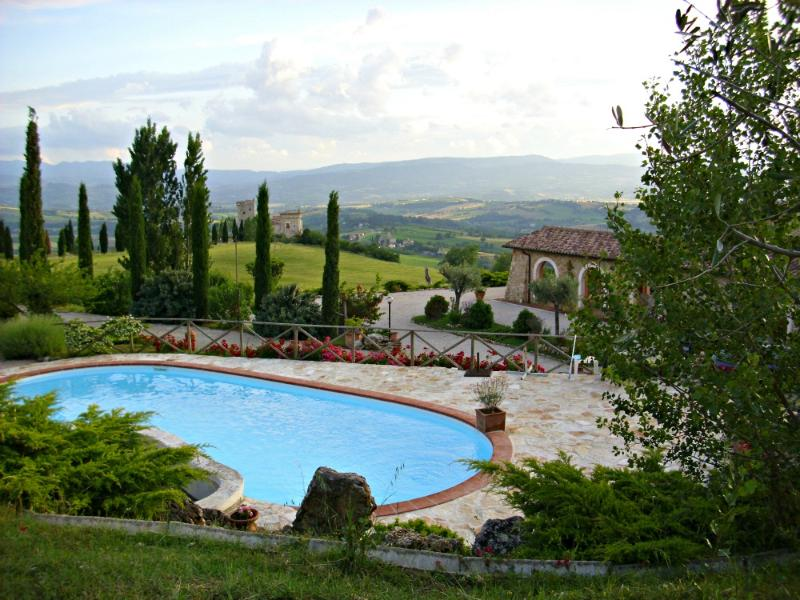 apartment in panoramic villa near Todi x 6 guests - Image 1 - Grutti - rentals