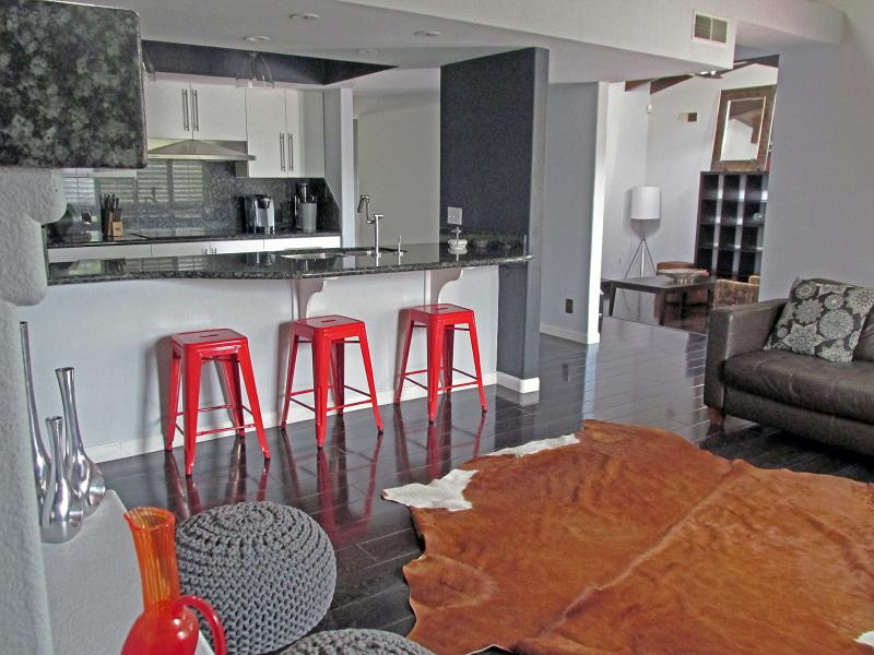 Deluxe Midcentury Modern Villa – Just 3 miles from the strip – Great Pool! - Image 1 - Las Vegas - rentals