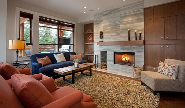 Spacious Living Area with Presto Log Fireplace - Fitzsimmons Walk 3 | Whistler Platinum | Hot Tub - Whistler - rentals