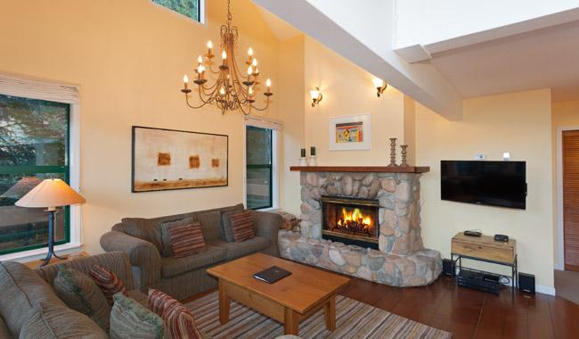 Main Living Area with Gas Fireplace and Flat Screen TV - Northern Lights 31 | Whistler Platinum | Hot Tub - Whistler - rentals