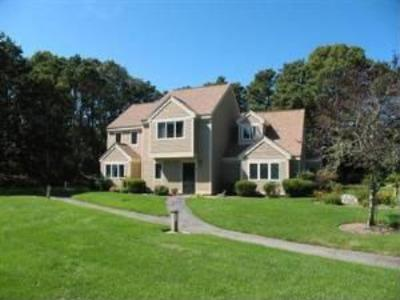Outside- Middle Unit - Private Setting: Deluxe Ocean Edge Fall Retreat - Brewster - rentals