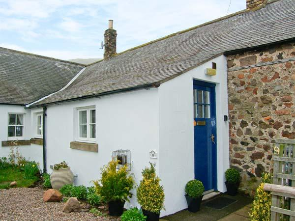AKELD COTTAGE, pets welcome, WiFi, complimentary horse riding, detached cottage near Wooler, Ref. 904419 - Image 1 - Wooler - rentals