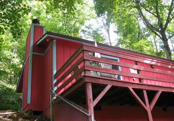 Beautiful mountain views from 37 foot deck in this lovely NC cabin - A Leaf Peeper's Paradise @ 4000 ft near Asheville - Maggie Valley - rentals
